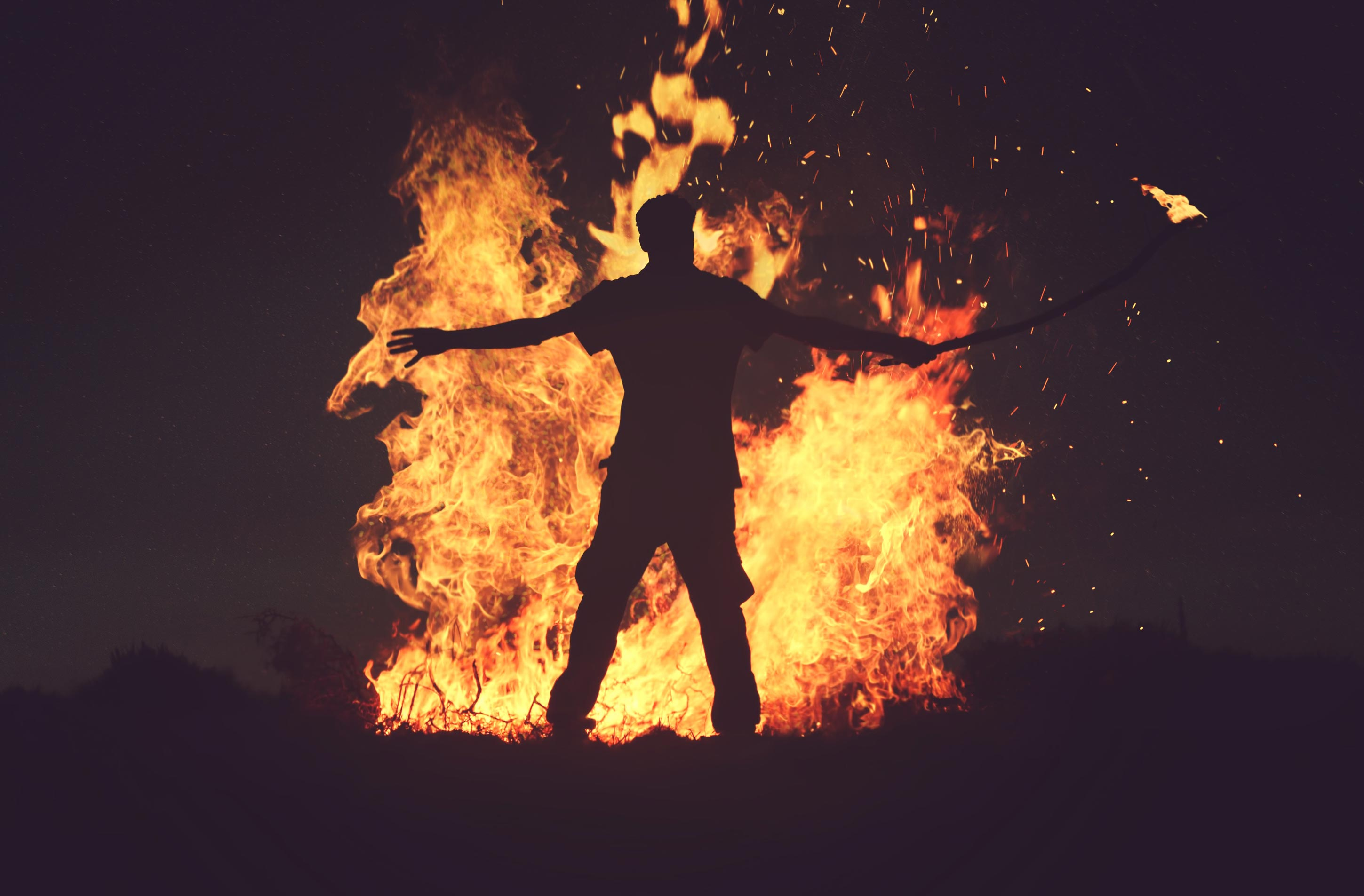 Feuertaufe einer neuen Material Art